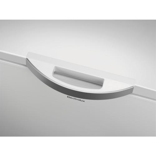 ELECTROLUX 371 l talpos šaldymo dėžė Electrolux LCB3LF38W0, LowFrost 435,00EUR